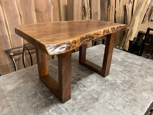SOLID WALNUT LIVE EDGE END TABLE! Part #L-215